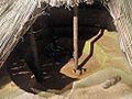Reconstituição de habitação subterrânea da pré-história riograndense 2.jpg