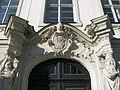 Residenzplatz 12 Eichstätt Portal-Wappen.jpg