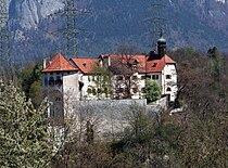 Rhäzüns Schloss.jpg