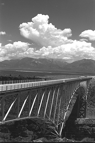 Rio Grande Gorge Bridge - Image: Rio Grande Gorge bridge, 1970