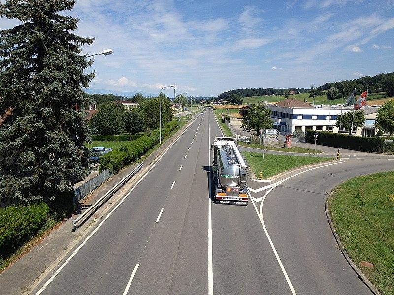 Datei:Route nationale suisse 1 Treize-Cantons.JPG