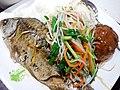 SZ 深圳 Shenzhen 福田 Futian 福民路 Fumin Road fast food restaurant food 鯪魚 fish 芽菜 vegetable 獅子球 meat ball June 2017 Lnv2 02.jpg
