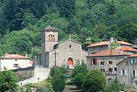 Saint-Julien-Vocance église et maisons.jpg
