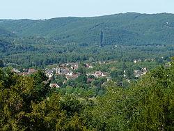 Saint-Julien-de-Lampon depuis château Fénelon.JPG