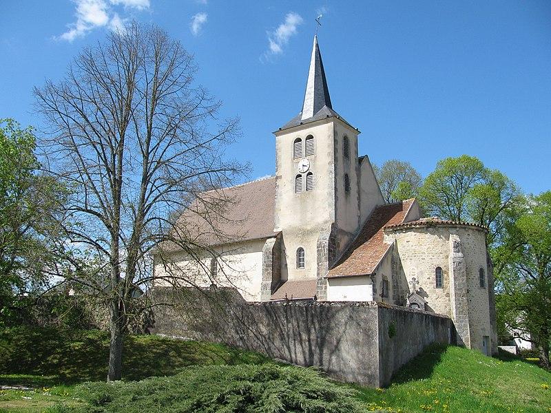 Église Saint-Pierre d'Avril-sur-Loire, Nièvre, France.