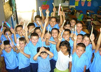 Culture of El Salvador - Salvadoran School Children from Metapan