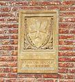 San leonardo, siena, stemma cavalieri di malta con data 1173-1243.JPG