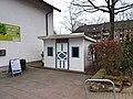 Sasel-Häuschen am Sasel-Haus.jpg