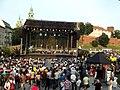 Scena pod Wzgórzem Wawelskim (9220814819).jpg