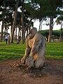 Scultura tronco pineta sacchetti.JPG