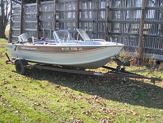 Boat trailer - Lowe Boats Sea Nymph Great Lakes Special 16 foot recreational fishing boat