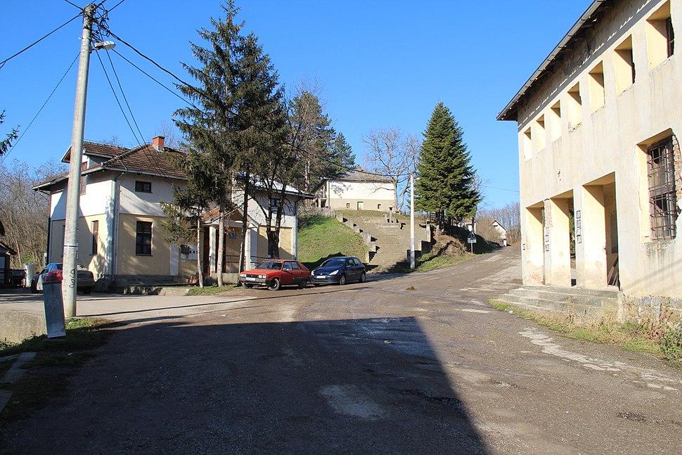 Selo Gola Glava - opština Valjevo - zapadna Srbija - centar sela 2