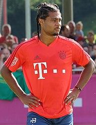 Serge Gnabry Training 2019-09-01 FC Bayern Muenchen-1 (cropped).jpg