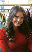 Shelley Hennig -  Bild