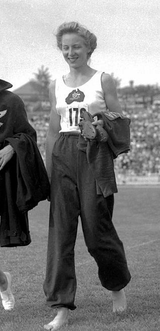 Shirley Strickland - Strickland at the 1950 Empire Games in Auckland