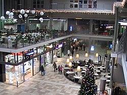 Kauppakeskuksen pääaukiota joulukuussa 2014. 8bad09fd5d