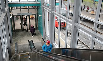 Sokolinaya Gora (Moscow Central Circle) - Image: Sokolinaya Gora platform escalators