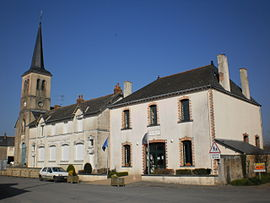 The town hall and church in Soulvache