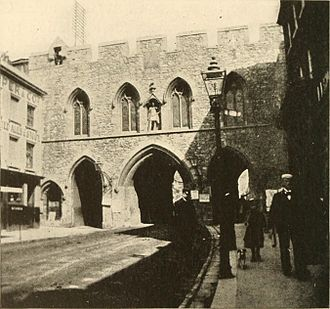 Bargate - Image: Southampton Bargate in 1917