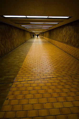 Spadina station - Connecting pedestrian tunnel