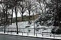 Square Samuel-de-Champlain (Paris) sous la neige, vu depuis l'avenue Gambetta 01.jpg