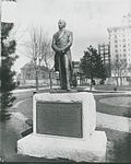 Statue of Hyrum Smith on Tabernacle grounds.jpg
