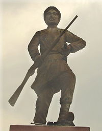 Statue of Phan Dinh Phung 2 crop.JPG