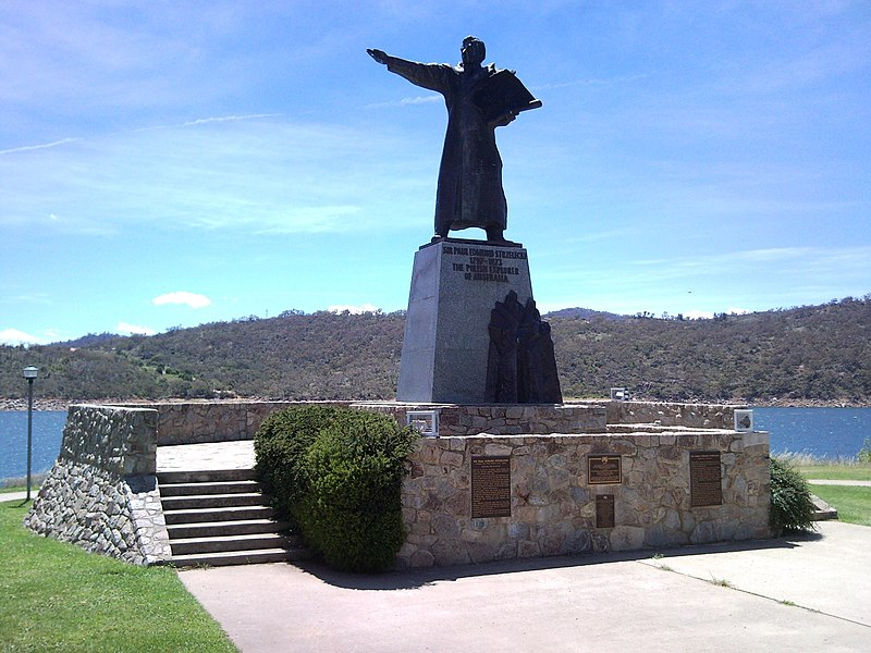 File:Statue of Sir Paul Strzelecki, Jindabyne, NSW.jpg