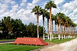 Summerlin Entrance Marker in the middle divider of Summerlin Parkway