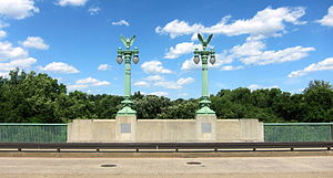 Taft Bridge - Image: Taft lamp posts