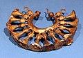 Tesoro di gaio, VII secolo dc, orecchino o pendaglio di bardatura equian in oro.jpg