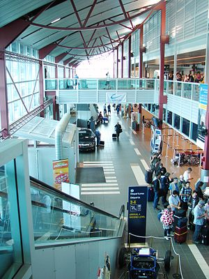 Thunder Bay International Airport - Thunder Bay Airport interior