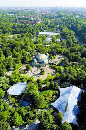 Untergiesing-Harlaching - View over Siebenbrunn with the Munich Zoo
