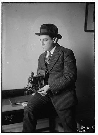 Tito Schipa - Tito Schipa in 1920 with a camera