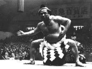 Tochinishiki Kiyotaka - Tochinishiki performing the dohyō-iri