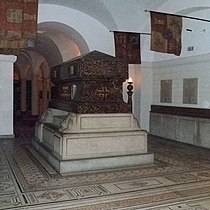 Tomb Wellington.jpg