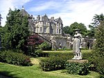 Torosay Castle, statues In Statue Walk