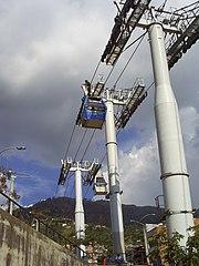Primer metrocable de transporte masivo permanente en el mundo, en el barrio Popular de Medellín