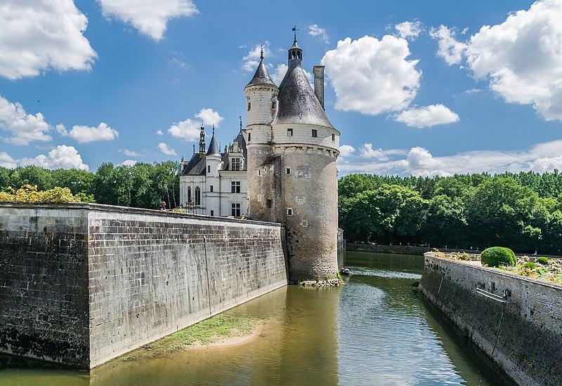 File:Tour des Marques Castle of Chenonceau 06.jpg