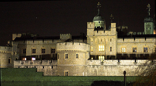 Tower of London at night2