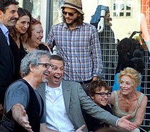 Two and a Half Men cast and Chuck Lorre in September 2011.jpg