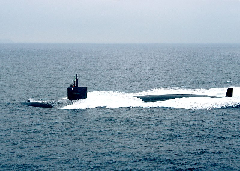 File:US Navy 040621-N-7615S-182 Los Angeles-class fast attack submarine USS Louisville (SSN 724) gets underway from Naval Submarine Base Point Loma, Calif., to conduct routine exercises.jpg