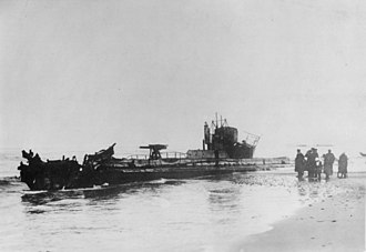 SM U-20 (Germany) - U-20 grounded on the Danish coast in 1916. Torpedoes had been exploded in the bow to destroy the boat