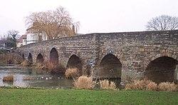 Міст у місті бідфорд-он-ейвон