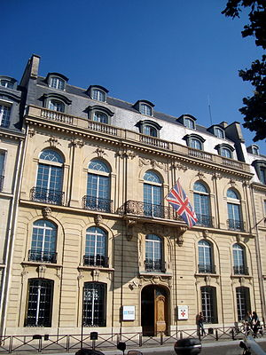 University of London - International Programmes Administrative Building, Stewart House, University of London. Also seen here is the University of London Institute in Paris, located on the Esplanade des Invalides in central Paris