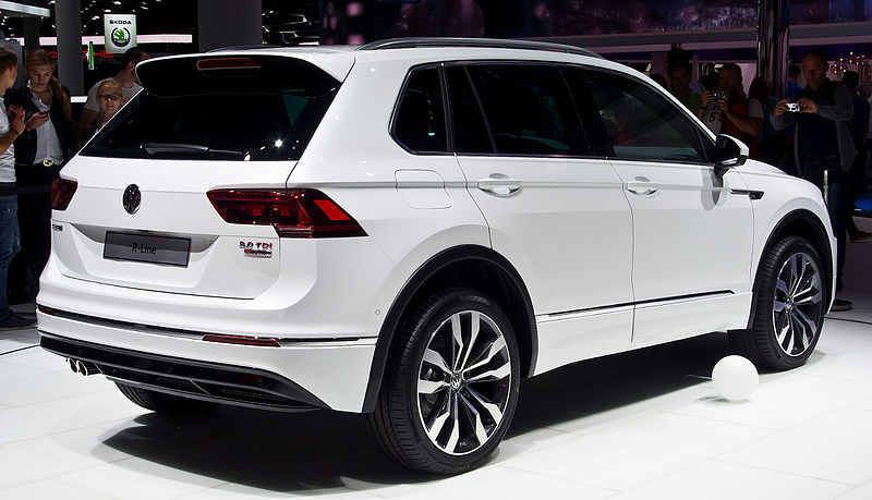 safety conscious drivers are going mad for the stylish vw tiguan. Black Bedroom Furniture Sets. Home Design Ideas