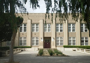 Van Nuys High School - Image: Van Nuys High School 2008