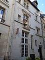 Vieux tours, 17 rue Paul Louis Courrier, logis noble 16èm siècle.jpg