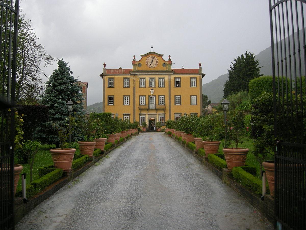 Villa poschi wikipedia for 2 piani di casa contemporanea di storia