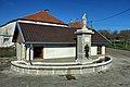 Villers-Chief, la fontaine ronde à la Vierge.jpg